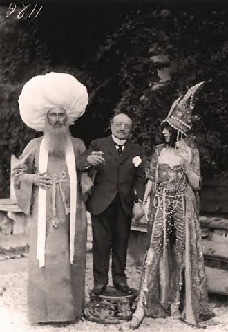 The Marchesa Luisa Casati, Giovanni Boldini and a friend